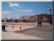 Gallipoli Lecce Italy - porto canneto ponte città vecchia pescherecci.jpg