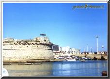 Gallipoli Lecce Italy - rivellino ponte città vecchia.jpg