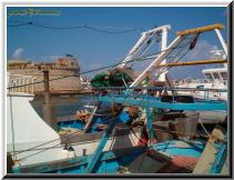 Gallipoli Lecce Italy - rivellino porto canneto ponte città vecchia pescherecci 2.jpg